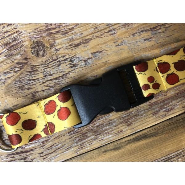 CHILD'S PLAY - CHUCKY'S KNIFE ENAMEL METAL PIN BADGE
